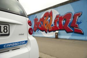 car2go Smart vor der Berliner Mauer