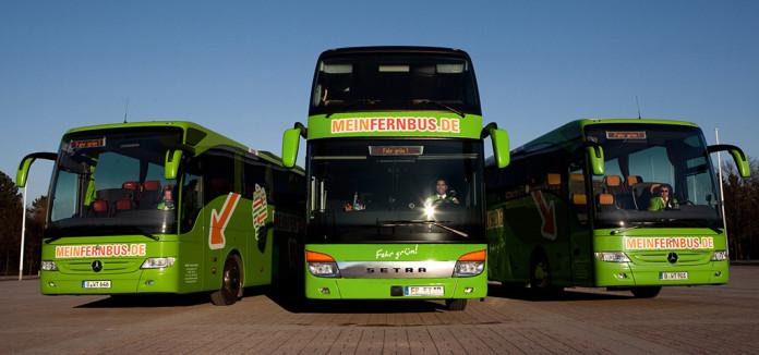 Drei Fernbusse