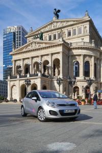 CiteeCar vor der alten Oper in Frankfurt