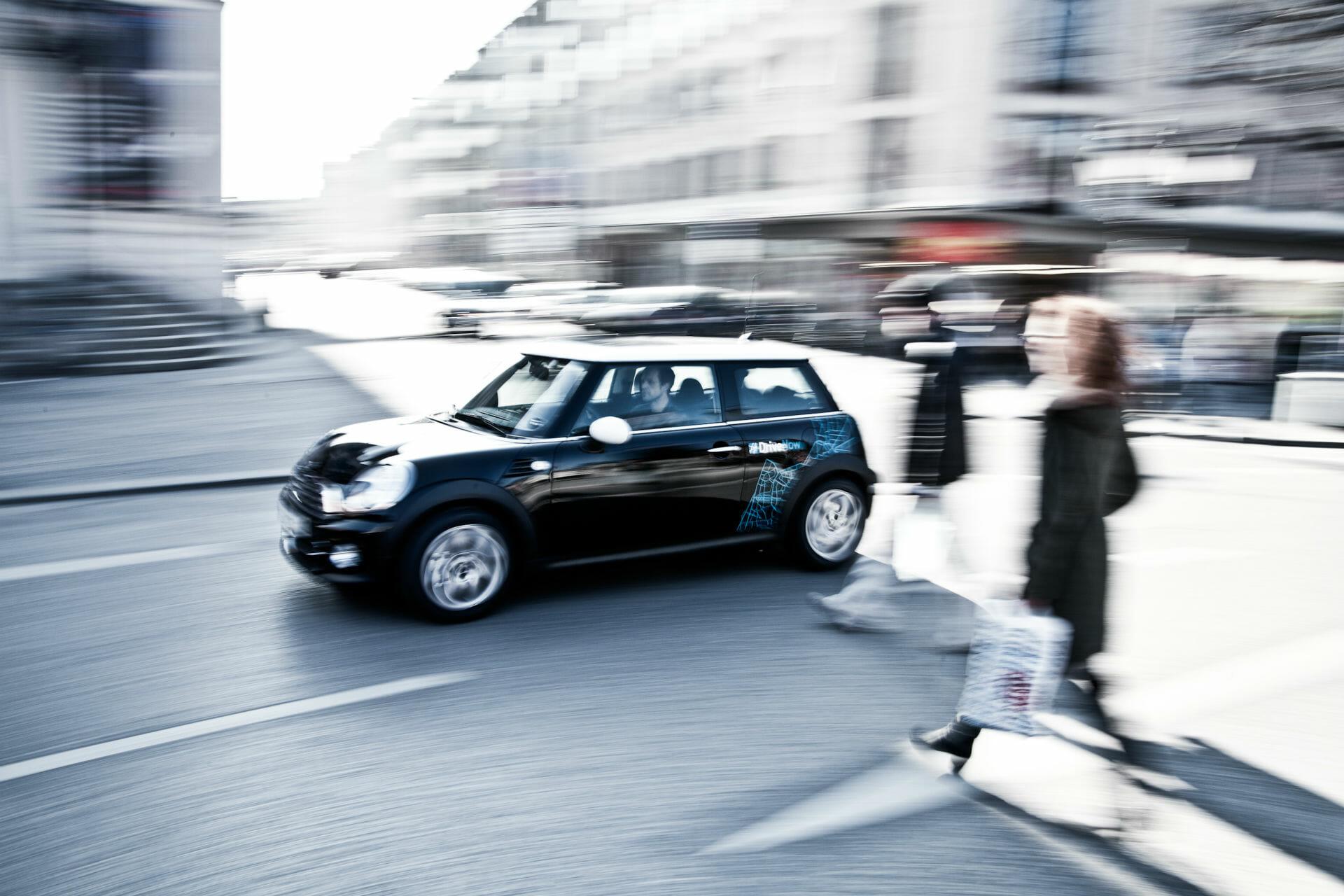 DriveNow Mini unterwegs