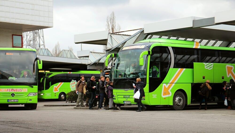 Bus von MeinFernbus am ZOB Berlin
