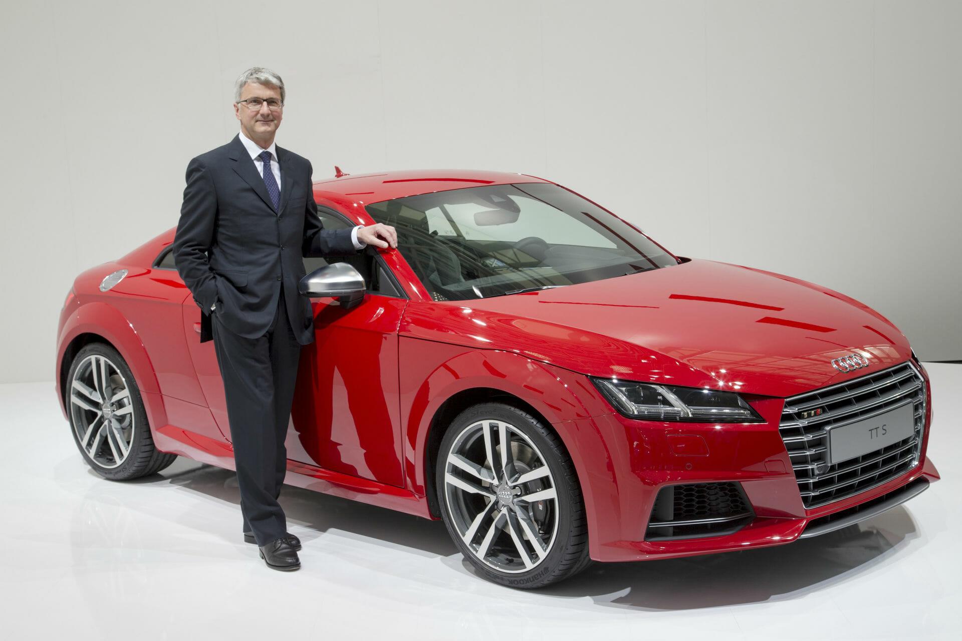 Rupert Stadler - Vorsitzender des Vorstands der AUDI AG neben dem neuen Audi TTS