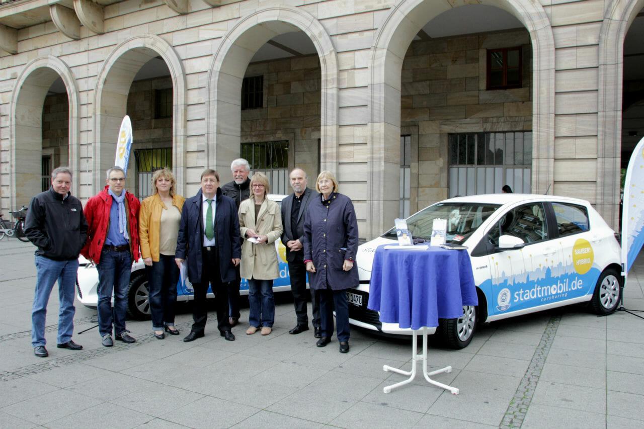 Übergabe der Hybrid-Fahrzeuge