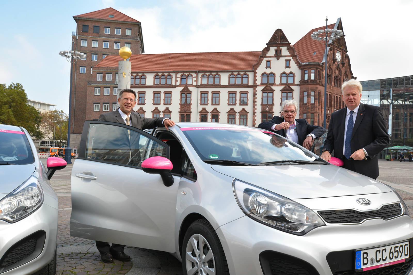 DSW21-Vorstand Pehlke, CiteeCar-Chef Jones und Oberbürgermeister Sierau