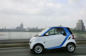 car2go auf einer Rheinbrücke