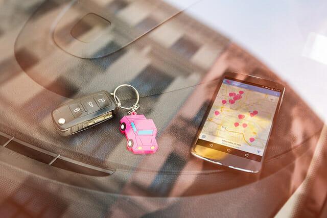 Drivy App und Schlüsselanhänger
