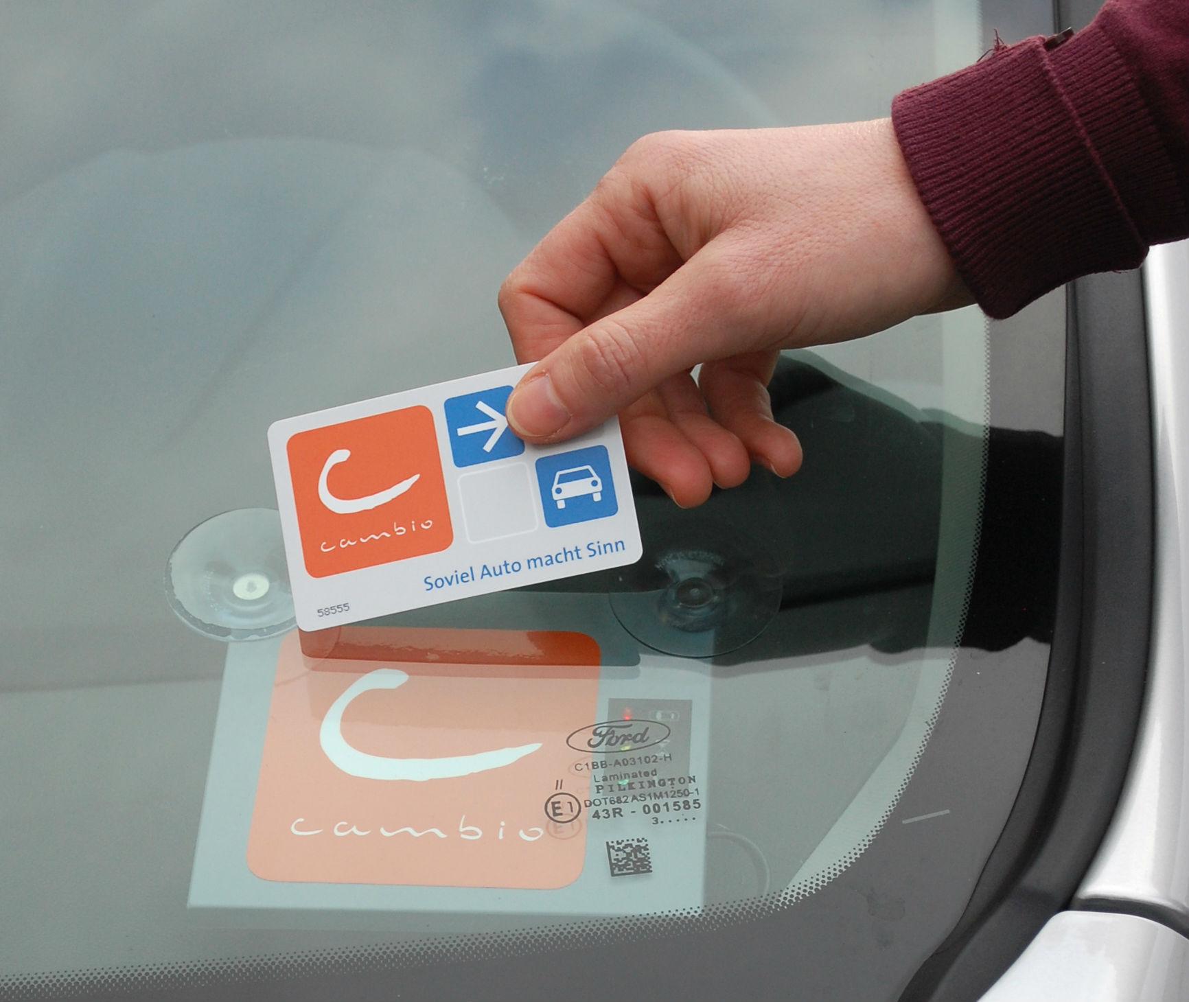 Fahrzeuge mit Bordcomputer werden mit der Cambio-Card geöffnet