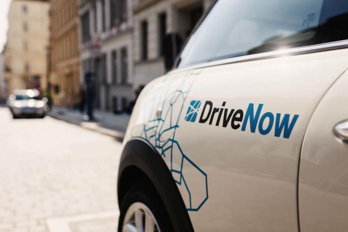 Neuer Mini mit DriveNow Logo