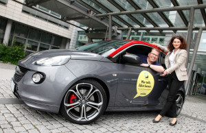 Opel-Marketingchefin Tina Müller und Dr. Jan Wergin, Direktor Opel Community Carsharing