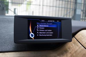BMW i3 von DriveNow Monitor in der Mitte