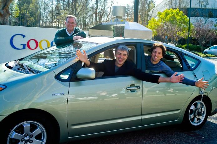 Eric, Larry und Sergey (Google-Mitbegründer) in einem selbstfahrenden Auto