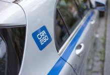 Logo auf einem Mercedes-Benz von car2go