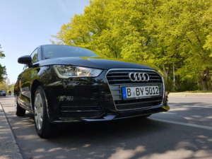 Drive by Front Audi A1