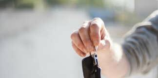 Schlüsselübergabe privates Carsharing
