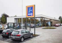 Carsharing auf Aldi Parkplatz