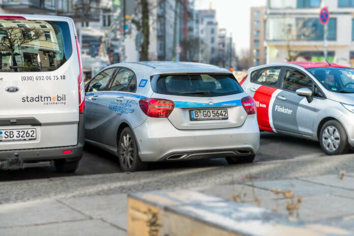 Diverse Carsharing Fahrzeuge