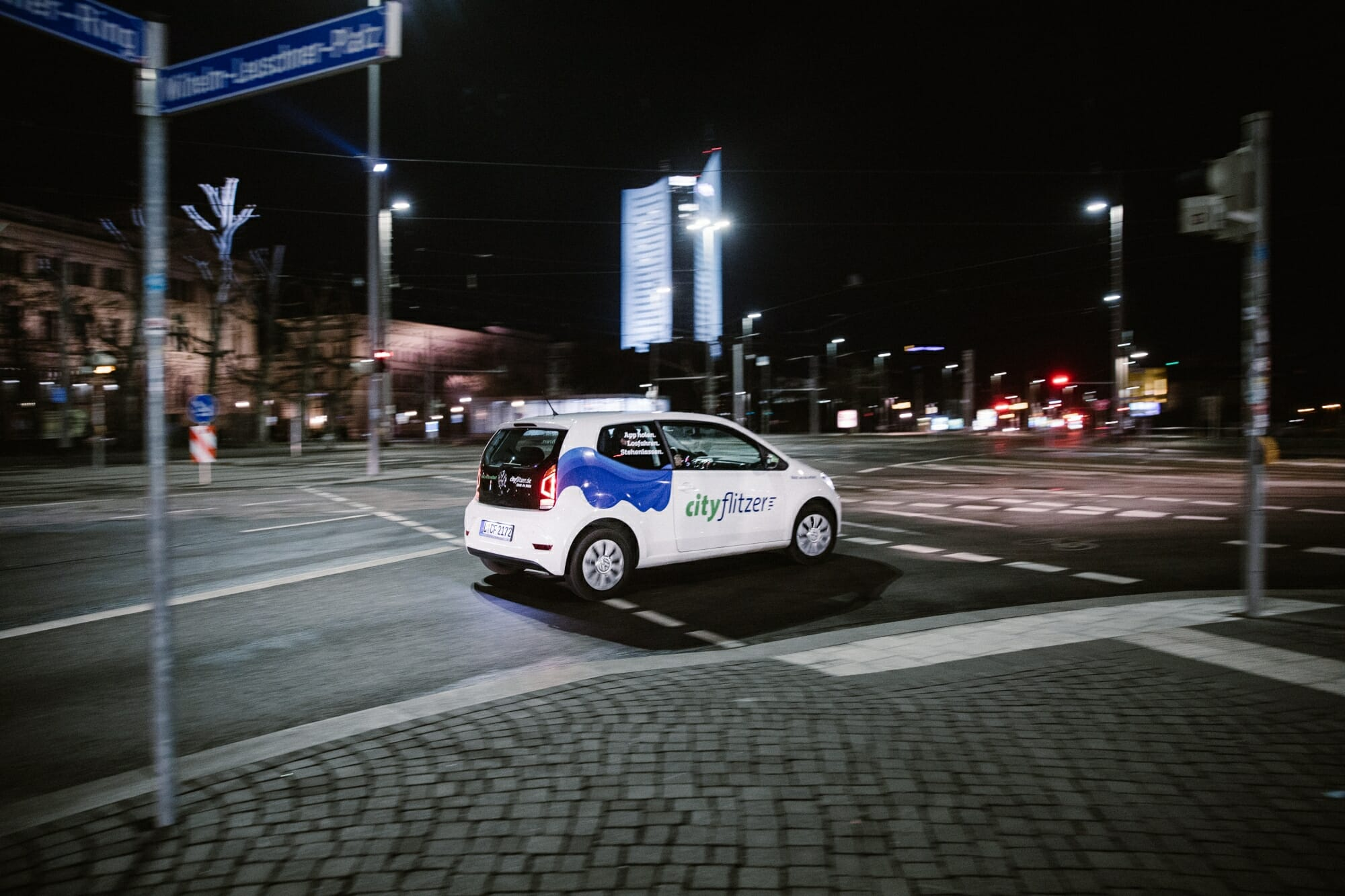 Cityflitzer Leipzig bei Nacht
